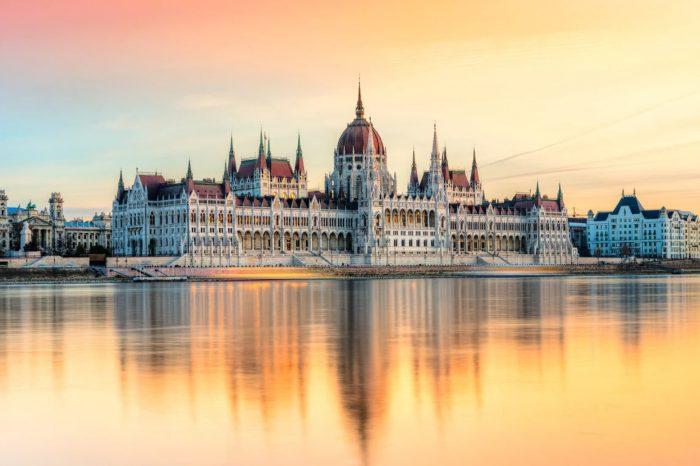 Егер, Будапешт, Відень